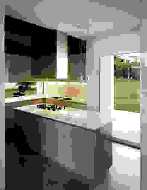 Moderne Küchen von Massimo Zanelli architetto Modern