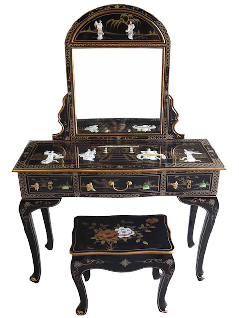 Chinese Black Lacquer Mother of Pearl Furniture ~ Ornately Decorated with Ladies & Gold Leaf de Asia Dragon Furniture from London Asiático