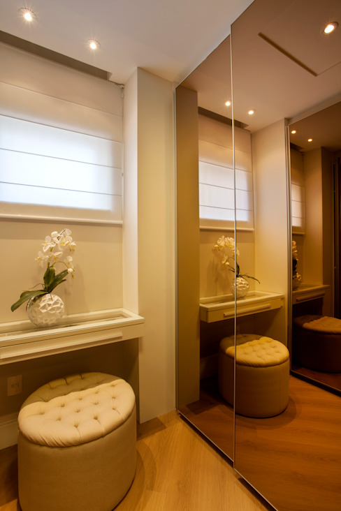 Vestidores y closets de estilo  por Designer de Interiores e Paisagista Iara Kílaris, Moderno