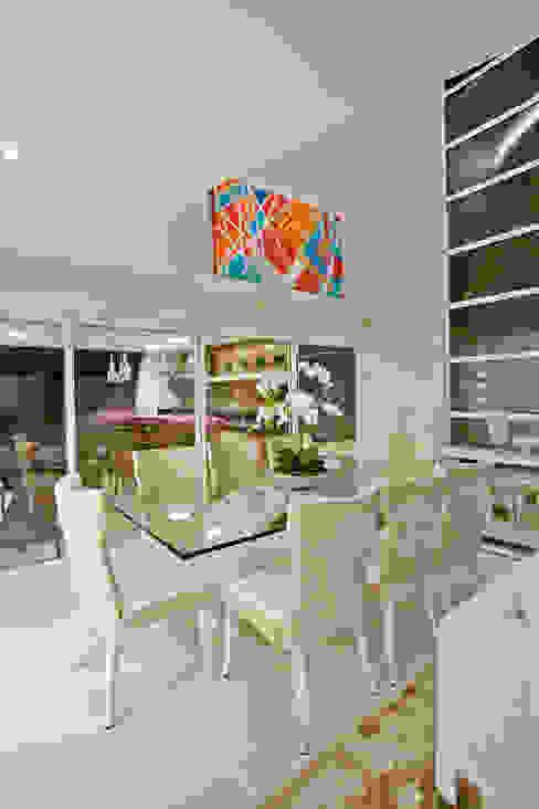 Comedores de estilo  por Designer de Interiores e Paisagista Iara Kílaris, Moderno