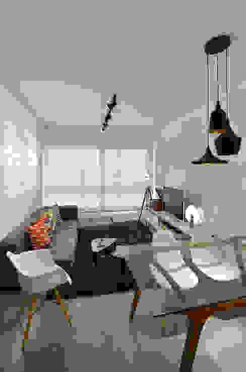 Modern living room by Johnny Thomsen Arquitetura e Design Modern