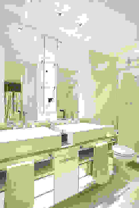Baños de estilo moderno de Cris Moura Arquitetura Moderno