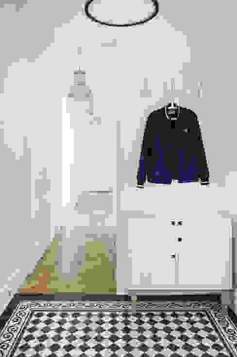 EG Projekt Scandinavian style corridor, hallway& stairs