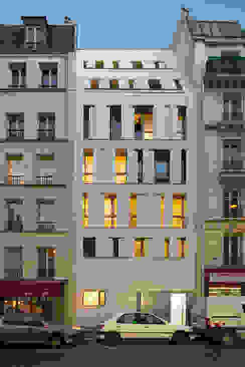 MAAST / RUE DES POISSONNIERS Maisons modernes par maast Moderne