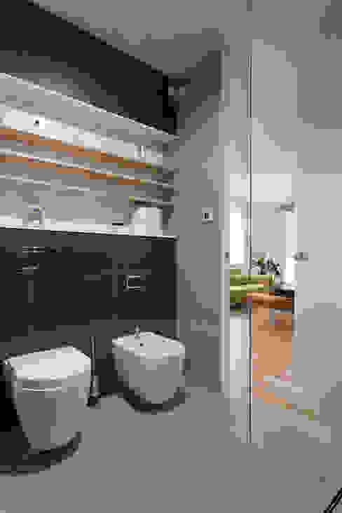 łazienka Minimalistyczna łazienka od Jacek Tryc-wnętrza Minimalistyczny