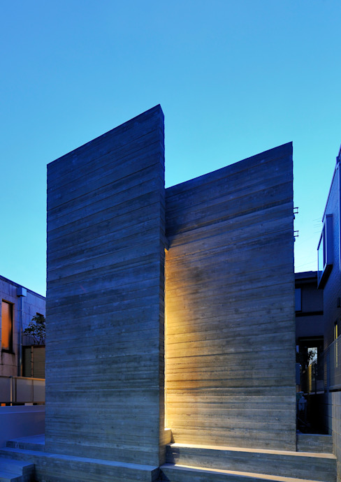 Casas modernas de 井上洋介建築研究所 Moderno