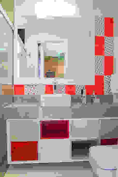 Banheiro Banheiros modernos por Tuti Arquitetura e Inovação Moderno