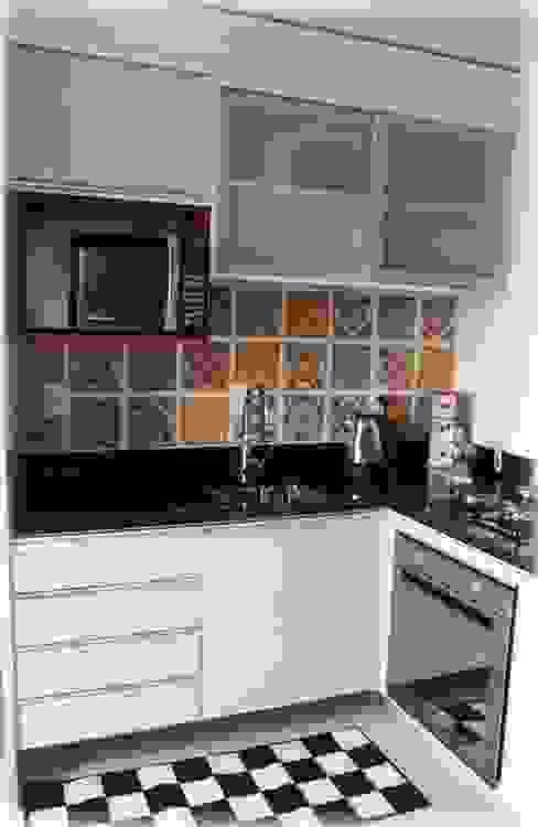 Cocinas de estilo  por Tuti Arquitetura e Inovação