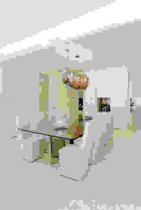 THE JACK WHITE HOUSE Sala da pranzo eclettica di STUDIO CERON & CERON Eclettico