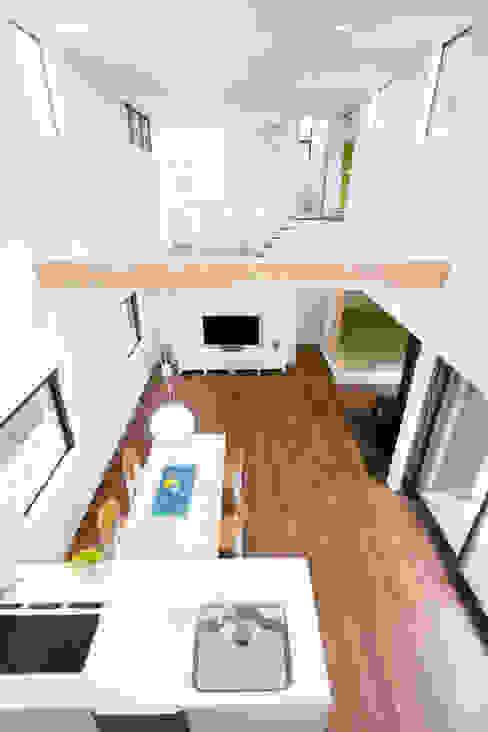 House in Fukuchiyama: arakawa Architects & Associatesが手掛けたダイニングです。,ミニマル