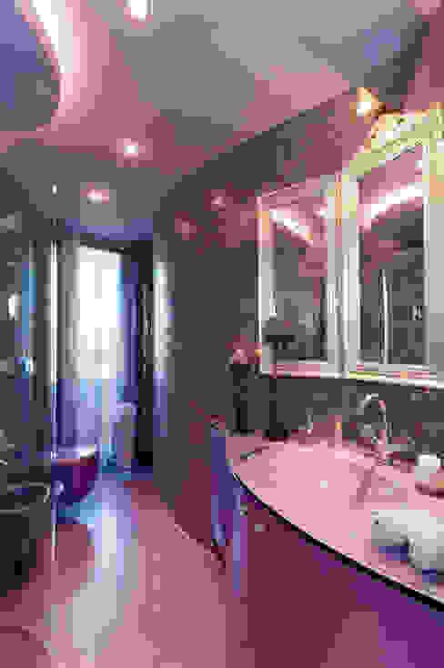 Ванная комната в эклектичном стиле от STUDIO CERON & CERON Эклектичный