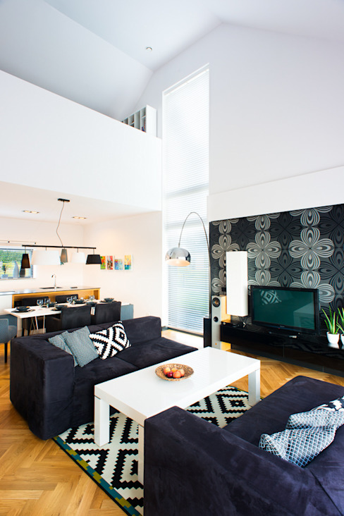 przestronny dom w kolorystyce black&white RedCubeDesign Skandynawski salon