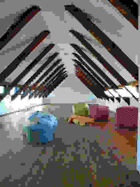 Dormitorios de estilo minimalista de cappellerarchitekten Minimalista