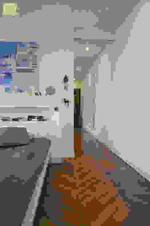Rénovation appartement A. Lyon (6ème) Chambre moderne par Marion Bochirol Architecte d'Intérieur CFAI Moderne