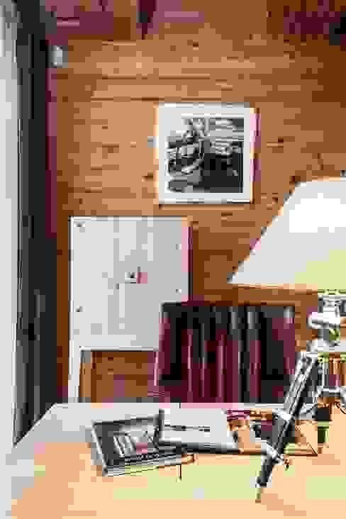 Rustykalne domowe biuro i gabinet od Архитектор Татьяна Стащук Rustykalny