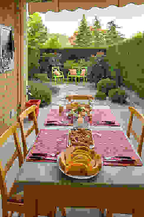 สวน โดย silvia delpiano studio e progettazione giardini, ผสมผสาน