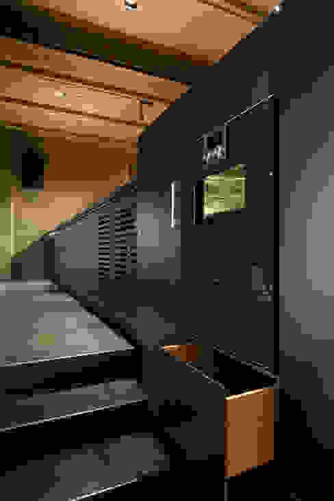 Küche Tombak Eiche Stahl von Wiedemann Werkstätten Modern