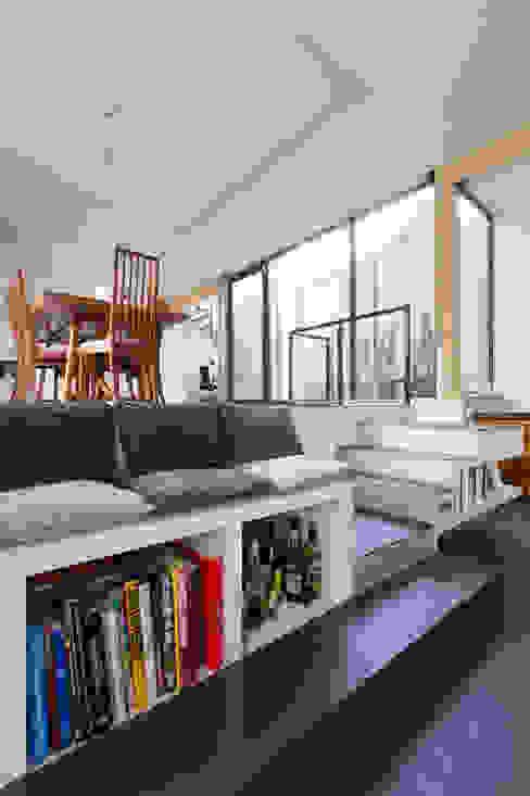 modern  door agence MGA architecte DPLG, Modern