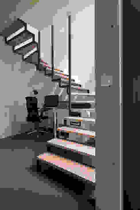 od agence MGA architecte DPLG Industrialny