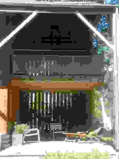 maison NEV Balcon, Veranda & Terrasse ruraux par Cécile Boerlen Architecte SARL Rural