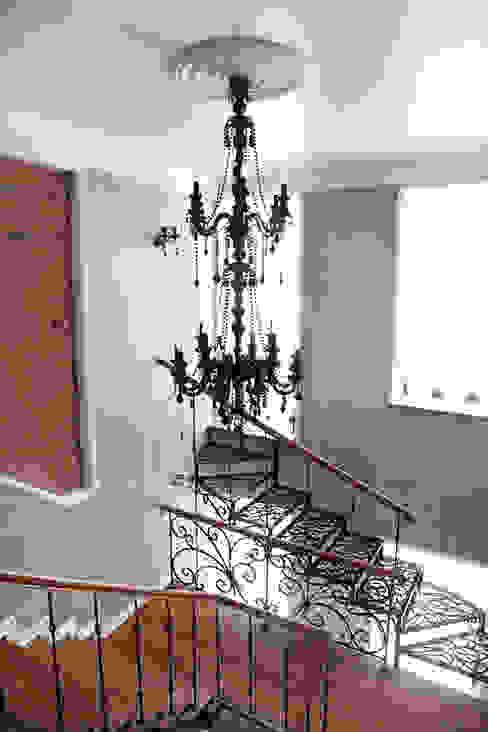Мария Остроумова Vestíbulos, pasillos y escalerasEscaleras