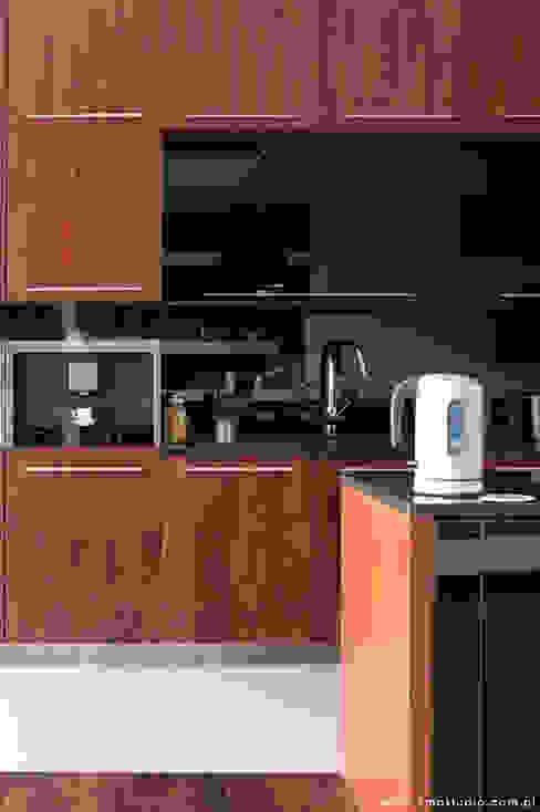 mieszkanie Wilanów Nowoczesna kuchnia od kmb studio Nowoczesny