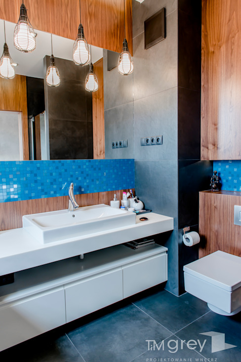 Kamar Mandi by TiM Grey Interior Design