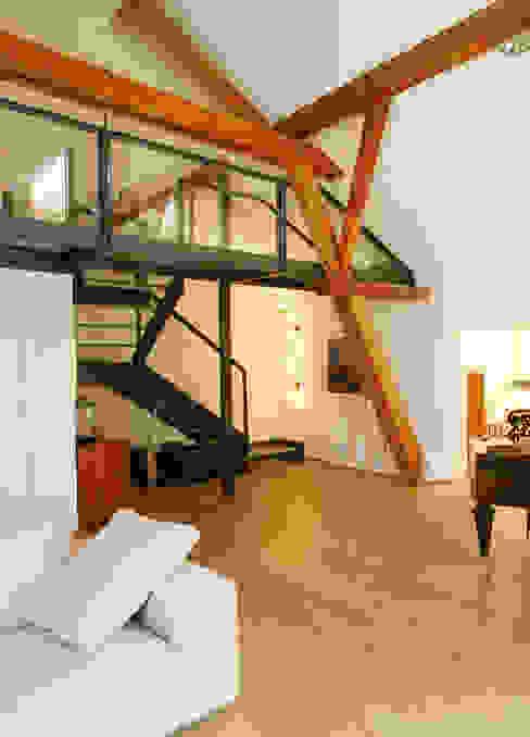Oberrieden Moderner Flur, Diele & Treppenhaus von Hans Ritschard Architekten AG Modern