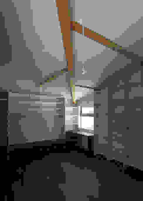 DROP ON LEAF: 充総合計画 一級建築士事務所が手掛けた和室です。,モダン