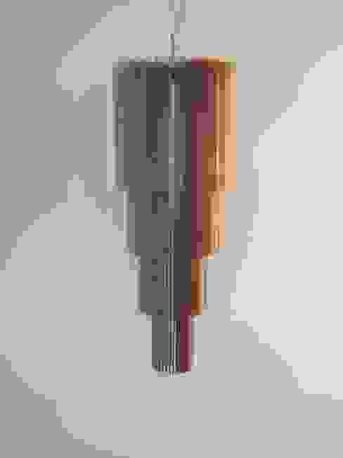 Tower 2: modern  door Dutch Duo Design, Modern