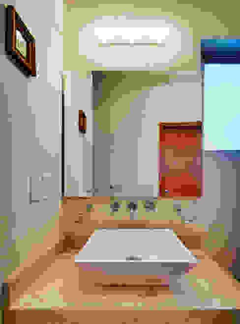 Projekty,  Łazienka zaprojektowane przez Excelencia en Diseño,