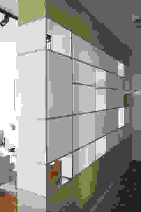 nad kanałkiem: styl , w kategorii Korytarz, przedpokój zaprojektowany przez JJJASKOLA ARCHITEKCI,Skandynawski
