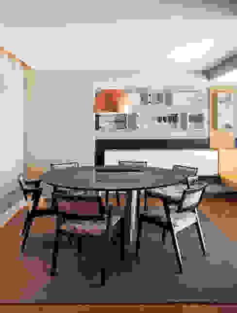 Sala de Jantar Com Peças de Design Salas de jantar modernas por homify Moderno