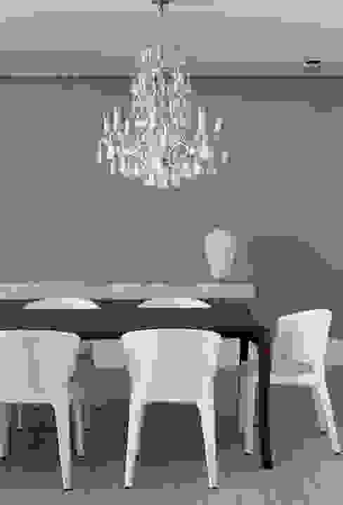 Comedores de estilo moderno de Liane Mazeron Rump Arquitetura Moderno