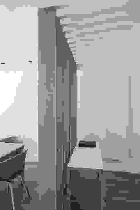 Ático en Valencia Hernández Arquitectos Vestíbulos, pasillos y escalerasAccesorios y decoración