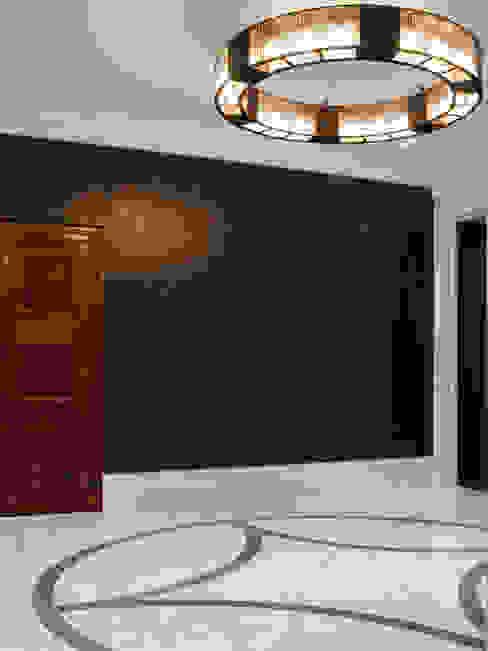 Cracked Gesso Wall Panels Paredes e pisos ecléticos por Rupert Bevan Ltd Eclético