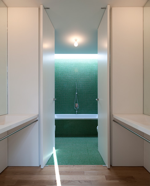 Bathroom by CVDB Arquitectos, Modern