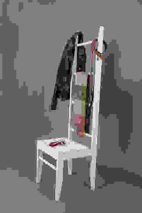 Der Kleiderstuhl - handgefertigt im deutschen Schreinereibetrieb aus regionalem Holz von kleiderleiter.de Kolonial