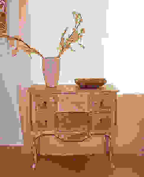 Muestrario de muebles para el hogar de Muebles Sarria Clásico