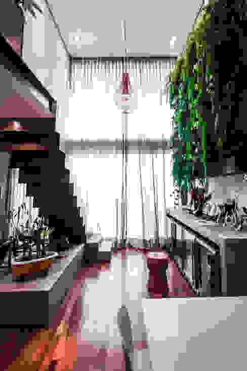 Modern Home Wine Cellar by SP Estudio Modern