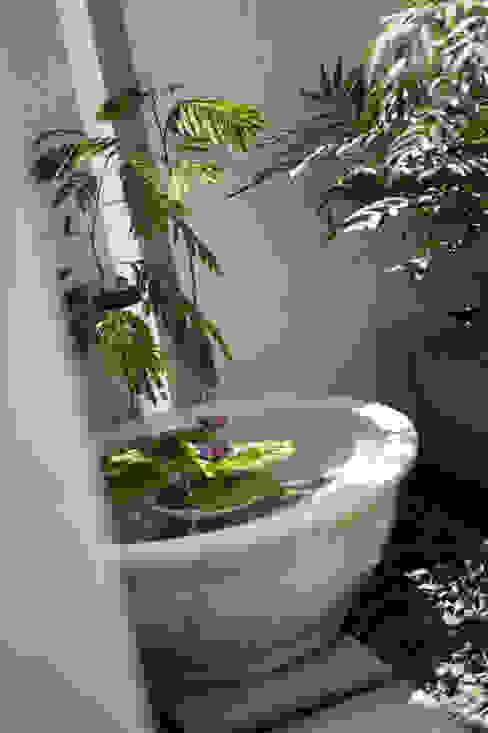 Garden Terrace House 和風デザインの テラス の Sakurayama-Architect-Design 和風