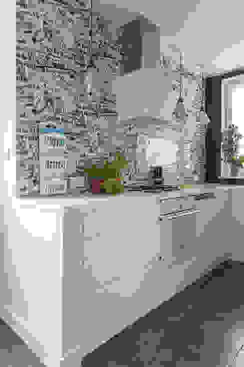 dom 115m2: styl , w kategorii Kuchnia zaprojektowany przez Projekt Kolektyw Sp. z o.o.,Eklektyczny