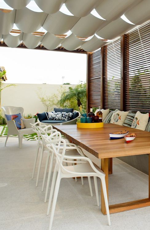 RODRIGO FONSECA | ARQUITETURA E INTERIORES Balcones y terrazas modernos