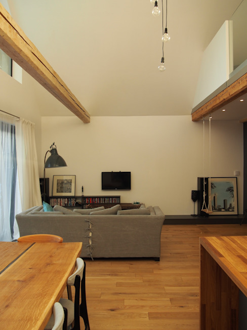 dom 150m2: styl , w kategorii Salon zaprojektowany przez Projekt Kolektyw Sp. z o.o.,Rustykalny