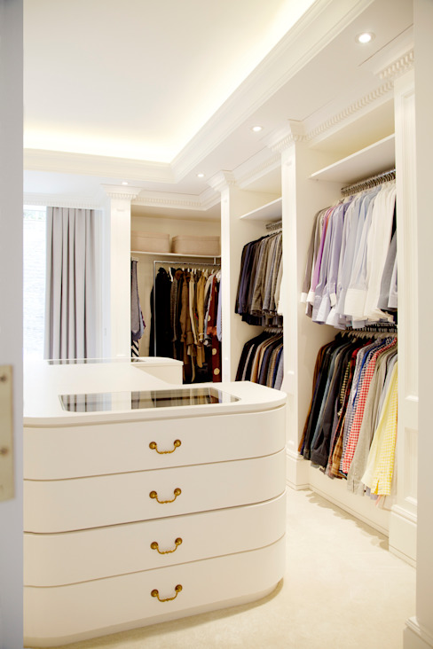 Modern dressing room by Kerim Çarmıklı İç Mimarlık Modern