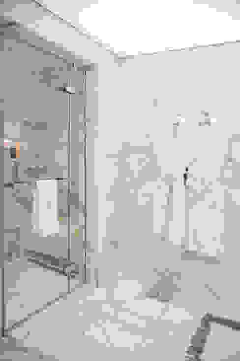 Kerim Çarmıklı İç Mimarlık – Çubukluvadi Evi :  tarz Banyo,