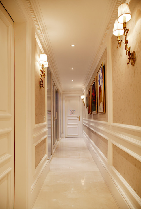 Pasillos, vestíbulos y escaleras modernos de Kerim Çarmıklı İç Mimarlık Moderno
