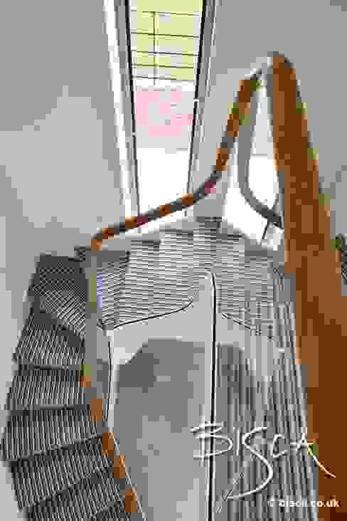 Staircase Klasyczny korytarz, przedpokój i schody od Bisca Staircases Klasyczny