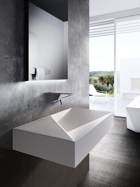 Bathroom by Un-real Studio Associato,