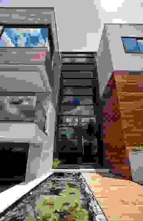 Casas de estilo  por Elmor Arquitetura, Moderno